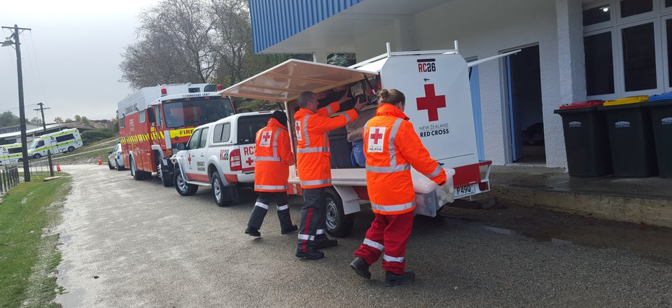 Volunteers set up a welfare centre after heavy snowfall in Roxburgh