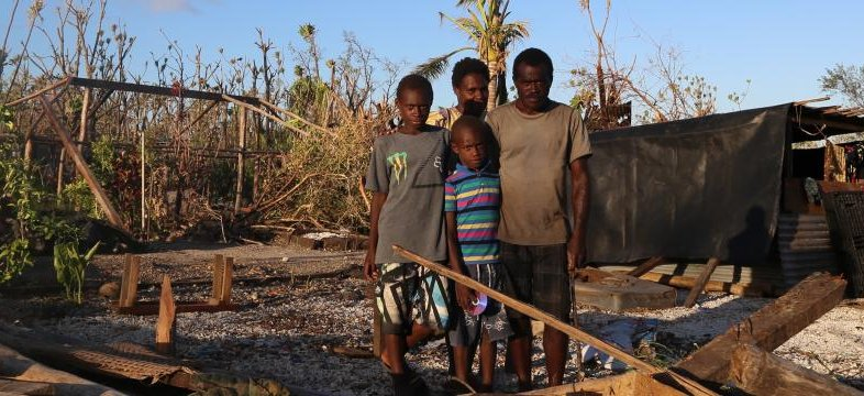 Enia, children and husband in Vanuatu