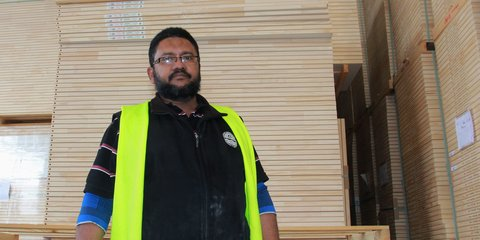 Hume doors and timber employee, Hamid