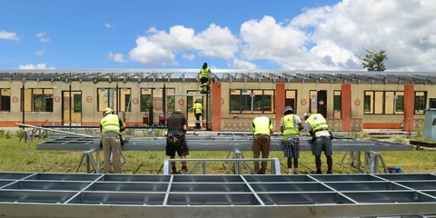 Builders and volunteers at work at Vunikavikaloa Arya School